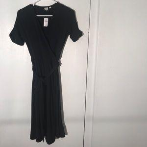 Just in!! GAP black wrap dress size XS
